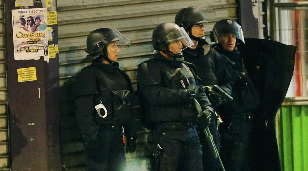 Attentato in turchia entrano in un locale vestiti da for Trova un costruttore locale