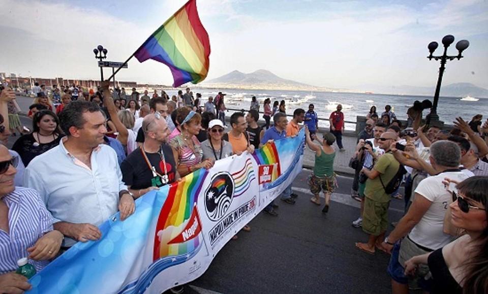 Diritti LGBTQ - Napoli in prima fila