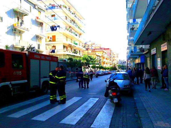 torre del greco, bomba alle poste