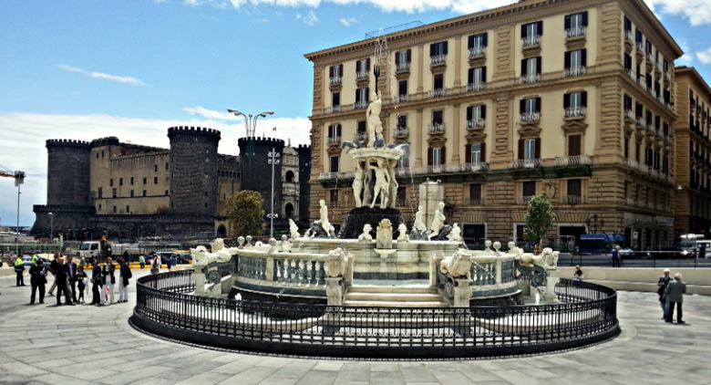 Fontana-del-Nettuno-Napoli