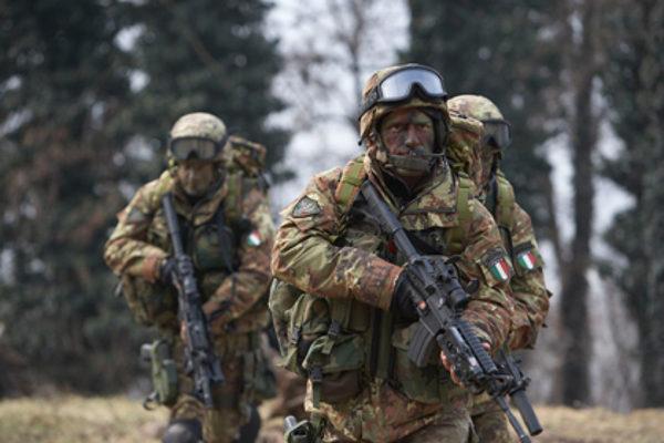esercito soldati