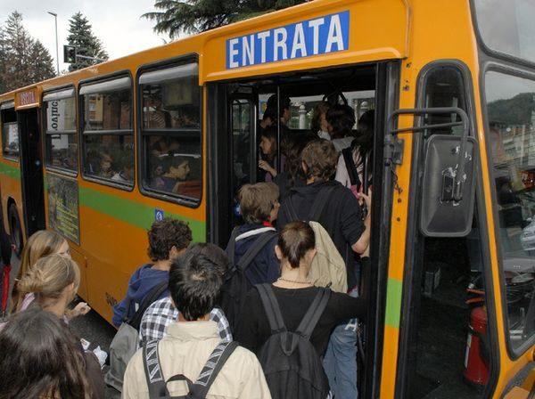 studenti mezzi pubblici