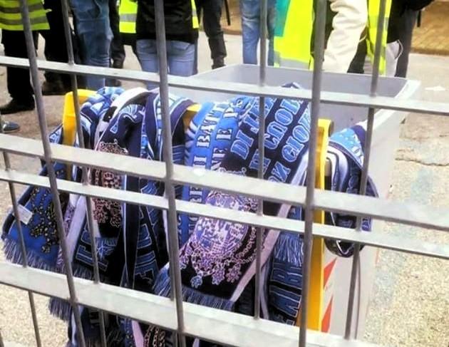 Movimento Neoborbonico sciarpe stemma borbonico sequestro