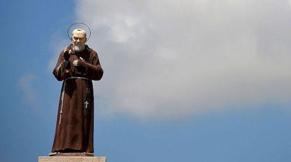 statua padre pio cilento