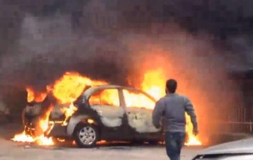 auto incendiata pianura napoli