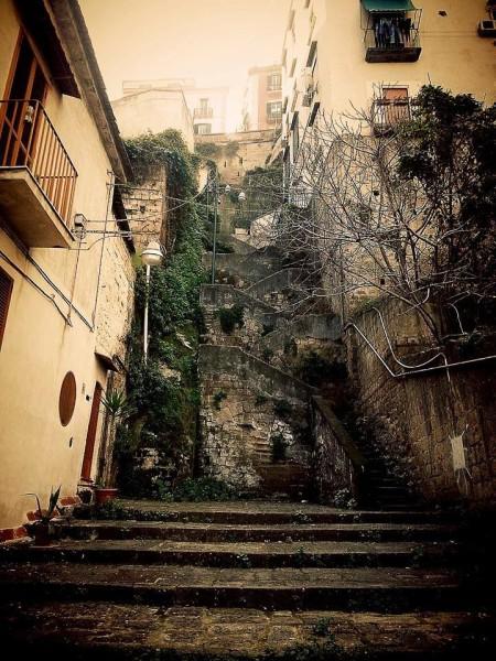 scale vico canalone all'olivella napoli