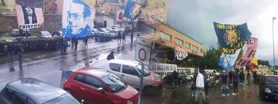 Tifosi Palermo e Napoli