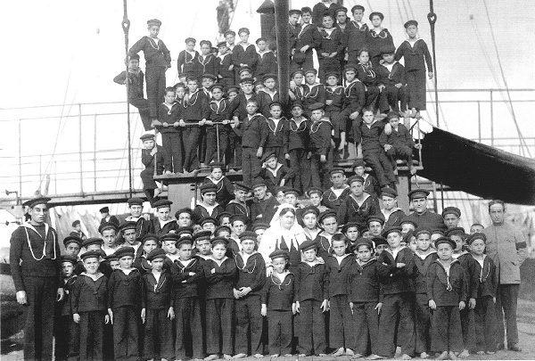 Giula Civita Franceschini ed i suoi marinaretti