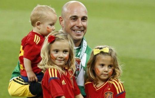 Pepe Reina con i figli