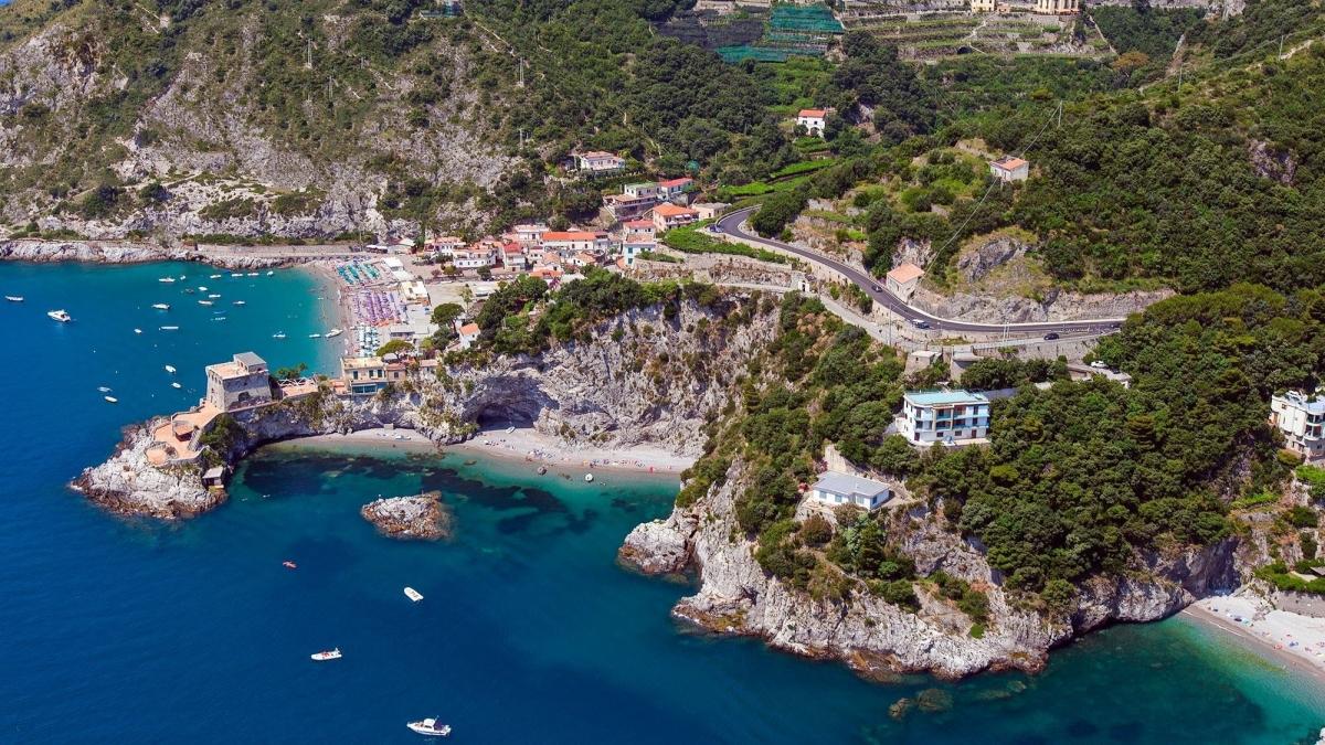 Matrimonio Spiaggia Costiera Amalfitana : Le spiagge migliori d italia per skyscanner tre