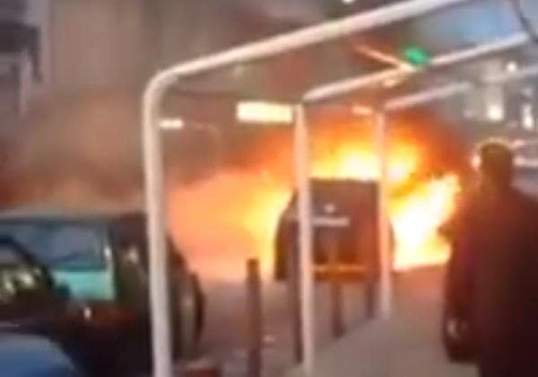 auto in fiamme a pollena trocchia