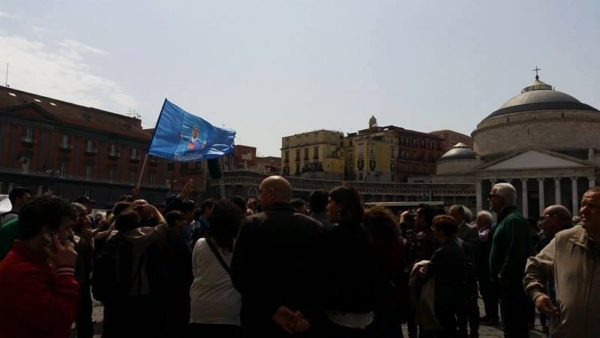 flash mob piazza plesbiscito higuain