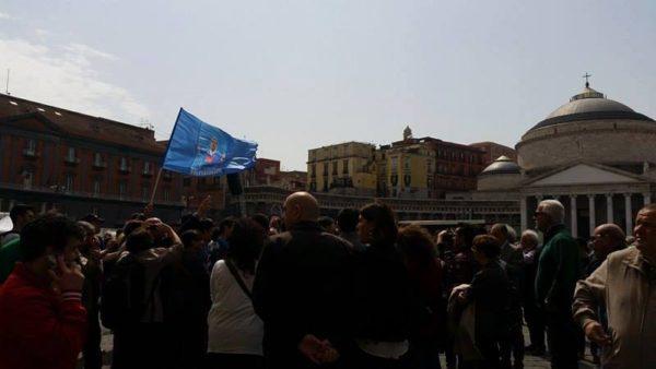flash mob piazza plesbiscito higuain