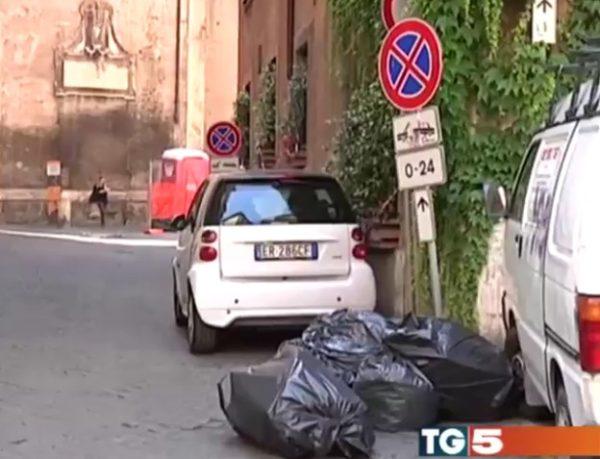 TG 5 Spazzatura Roma