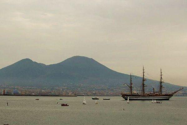 Napoli, la Vespucci