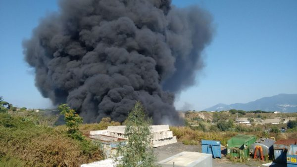 Incendio cava Torre del Greco