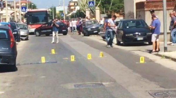 Paura a Licola, sparatoria in strada in pieno giorno. Un ferito