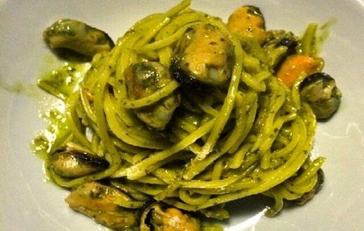 spaghetti-con-pesto-e-cozze