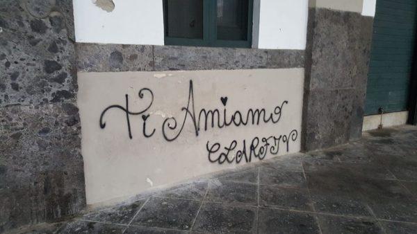 piazza-plebiscito-mura-imbrattate-jpg3