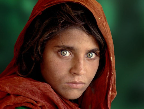 Le icone di McCurry in mostra alla Gam
