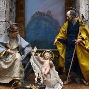 Auchan giugliano cerca babbo natale compenso di 1000 euro - Arte casa giugliano ...