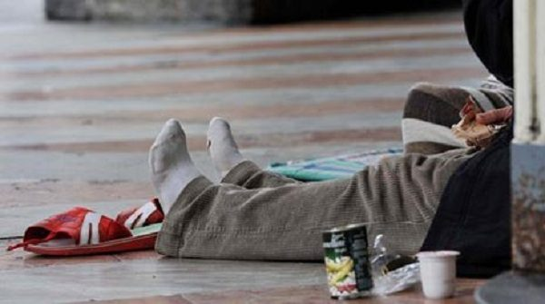 senzatetto, kit di igiene