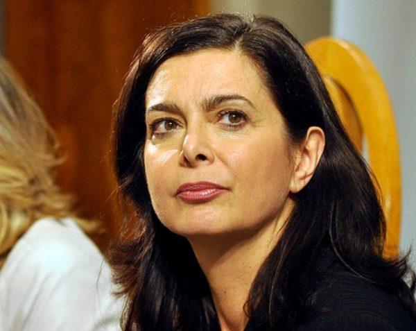Napoli, Laura Boldrini a Scampia: