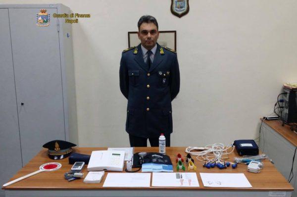 Blitz della Finanza, scoperto falso cardiologo a Napoli: non aveva la laurea