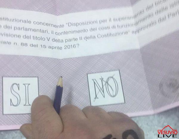 foto-voto-referendum-costituzionale