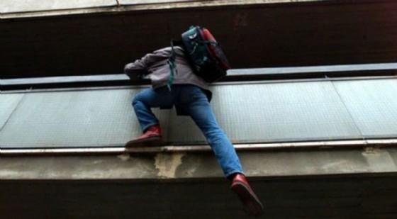 ladro-balcone