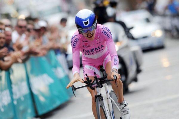 mara-in-pink-at-the-giro-rosa-lg-2