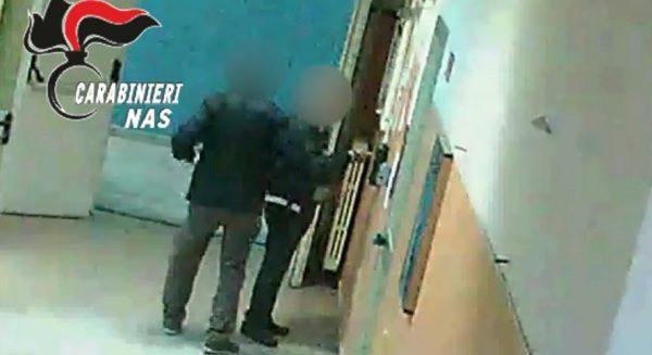Napoli, Assenteismo al Loreto Mare: Arrestati 55 Furbetti del Cartellino