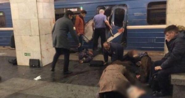 Attentato Russia, esplosione nella metro di San Pietroburgo COMMENTA