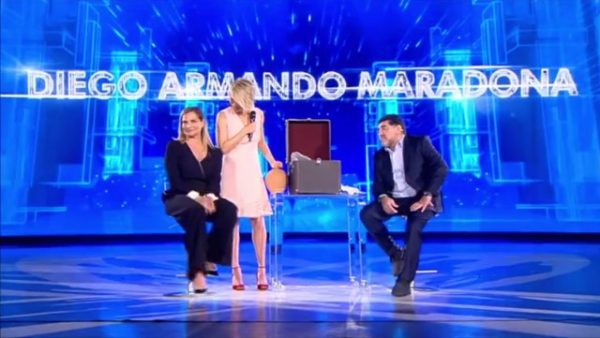 Maradona a sorpresa:
