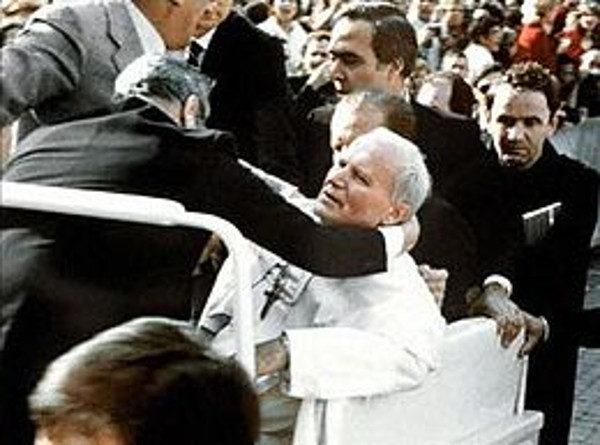 A Napoli arriva la reliquia di Giovanni Paolo II
