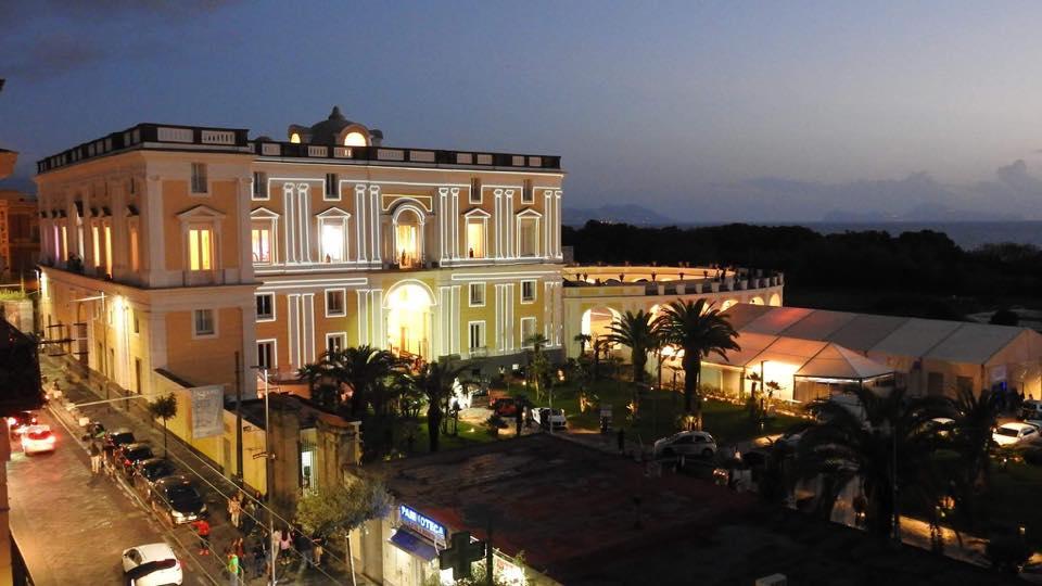 Matrimonio In Villa Campolieto : Ti sposo il salone del wedding a villa campolieto