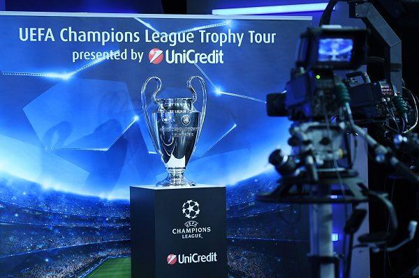 Il trofeo della UEFA Champions League sarà esposto in Piazza del Plebiscito