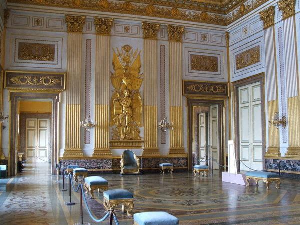 Reggia di Caserta, i sindacalisti: ''Troppi visitatori, danni agli appartamenti''