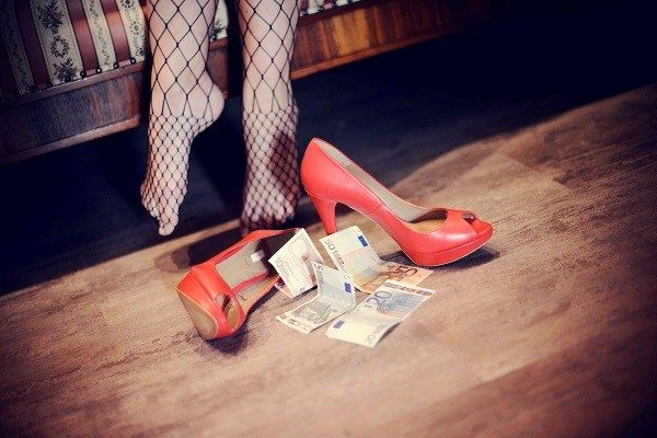 Napoli, sfruttamento prostituzione: preso 16enne