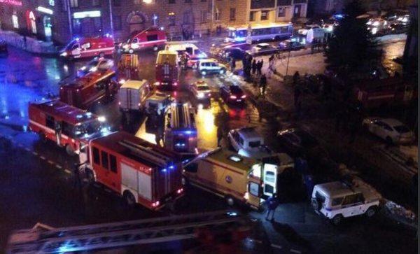 Attentato San Pietroburgo, bomba in supermercato : almeno 10 feriti, 50 persone evacuate