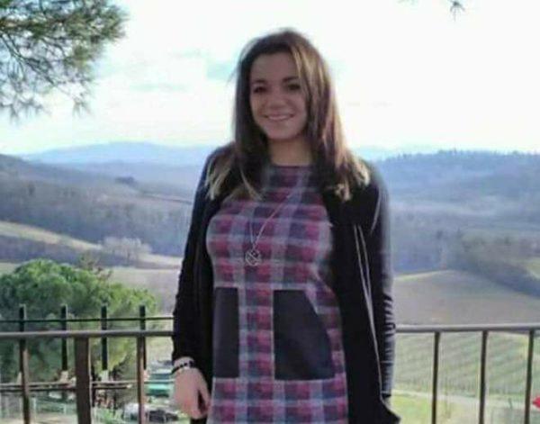 Annalisa, scomparsa nel nulla a 17 anni: ore d'ansia per la famiglia