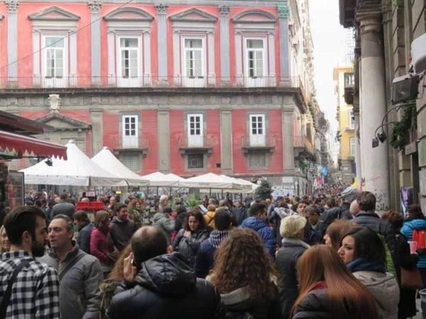 Turisti a Napoli