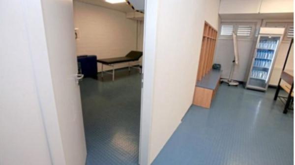 Il Lipsia accoglie Sarri: stanza per fumatori in spogliatoio