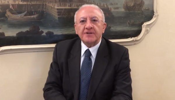 Vincenzo De Luca nuovi autobus