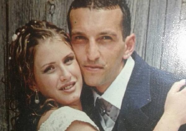 Qualiano coppia morta nell 39 incendio forse provocato da - Coppia di amatori che scopano sul divano ...