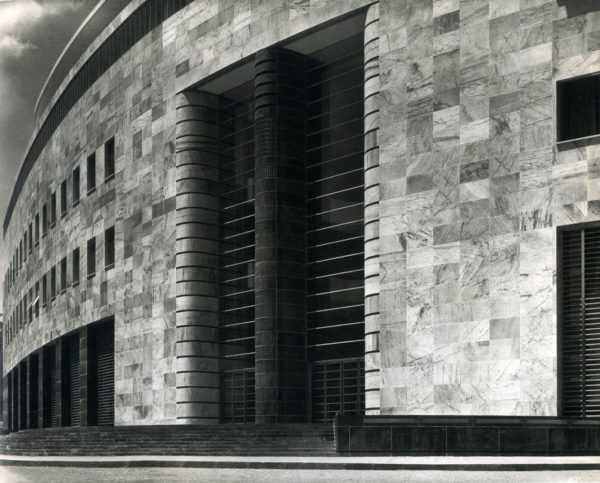 Architettura fascista a napoli vi spieghiamo perch va for Architettura fascista