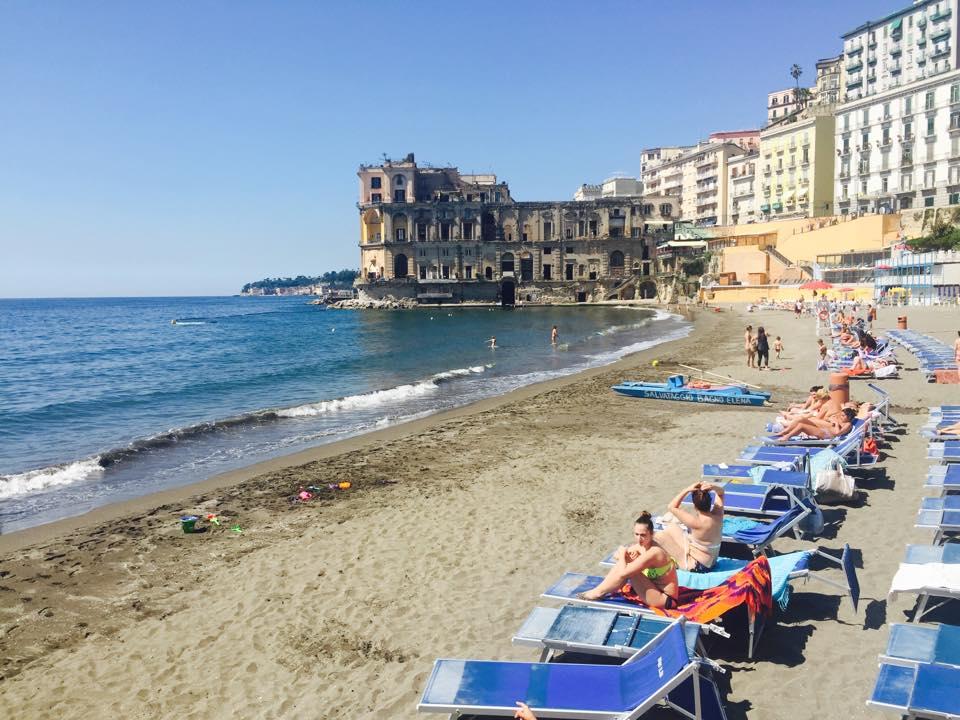 Il arrivo sole e bel tempo a napoli weekend con oltre 20 - Bagno elena napoli ...