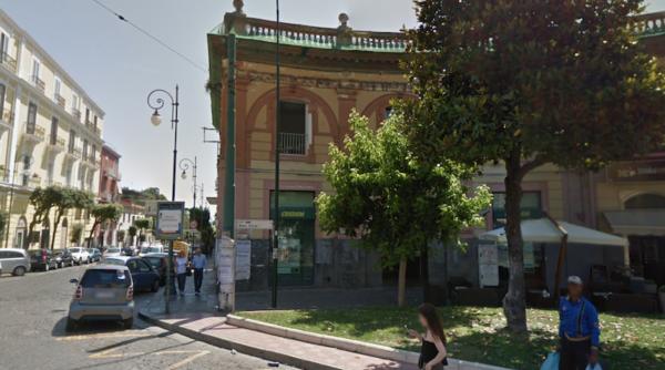 Paura per rapina in banca nel Napoletano