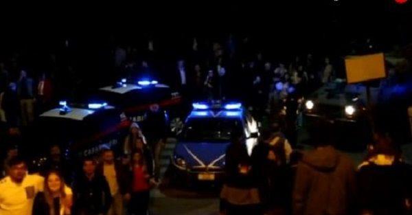 Napoli, sparatoria sul Lungomare: panico tra la gente