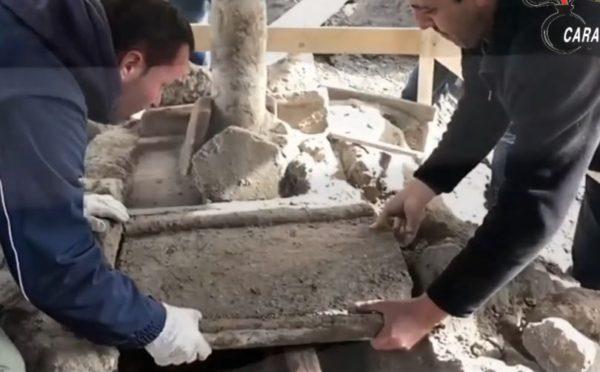Pompei. I cunicoli clandestini portano alla luce una villa suburbana